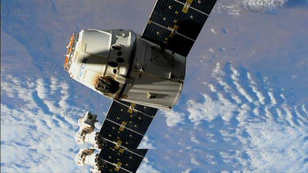 La cápsula Dragón SpaceX regresa a la Tierra