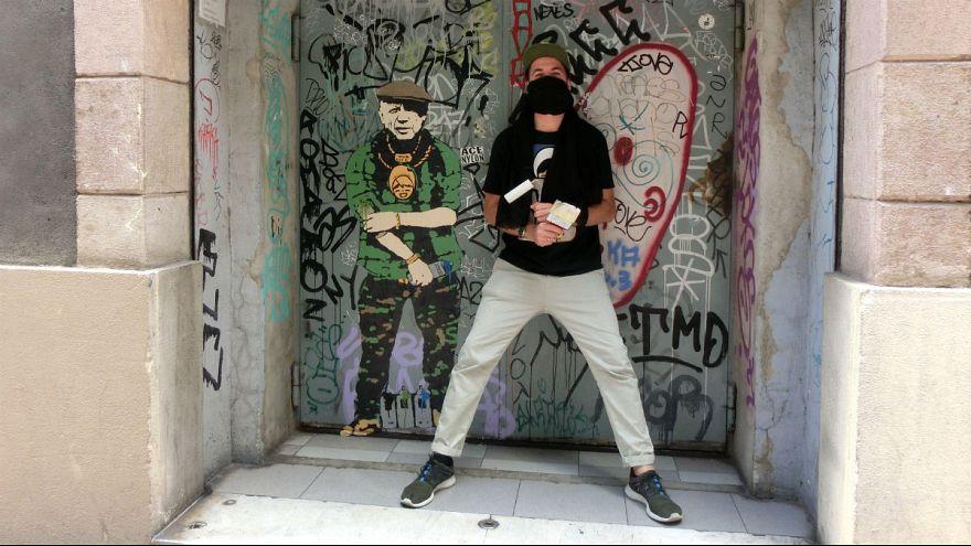 هنرمند خیابانی ایتالیایی؛ خالق بوسههای بحث برانگیز