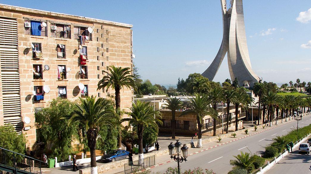 توقيف محامي جزائري رفض الانصياع لاستدعاءات القضاء