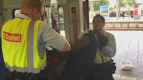 Video shows man forcefully removed from Munich train