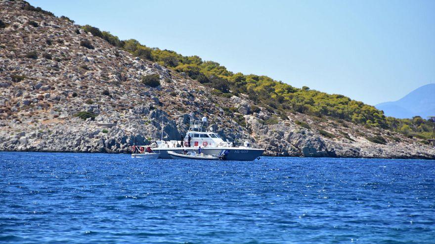 Türkischer Frachter unter griechischem Feuer