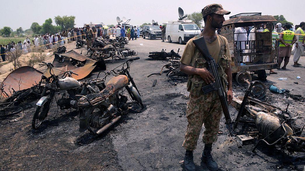 ارتفاع حصيلة ضحايا شاحنة الصهريج إلى 205 قتلى على الأقل
