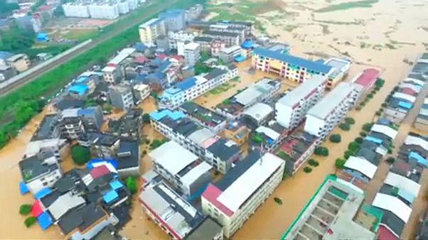 Halálos áradások Kínában