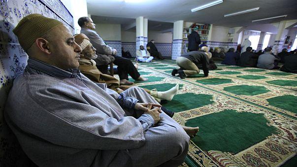 استطلاع: الشارع الفرنسي منزعج من المغتربين والمسلمين