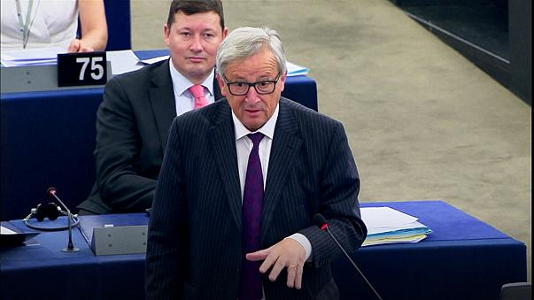 Juncker arremete contra el Parlamento Europeo