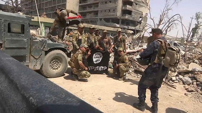 """Resistência do """"daesh"""" estrangulada em Mossul e Raqqa"""