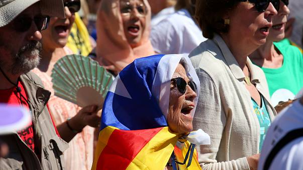 Catalogna presentata bozza referendum