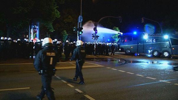 Hamburg: G20 zirvesi öncesinde protestolar sürüyor