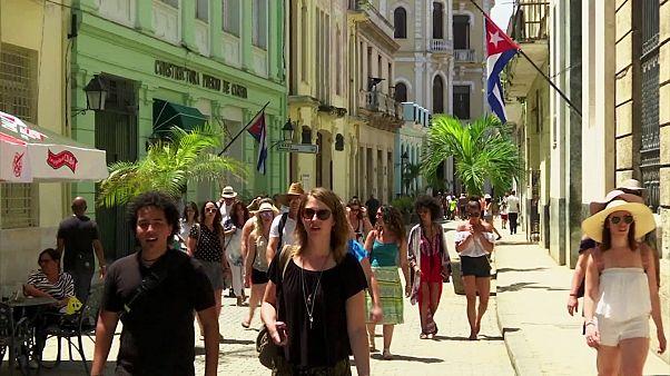 """الاتحاد الأوروبي ينجز تقاربه """"التاريخي """" مع كوبا خلافا لنهج ترامب"""