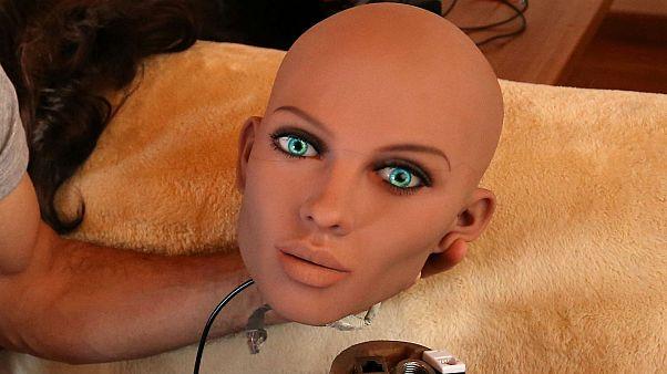 Gerçeğe yakın seks robotları geliyor