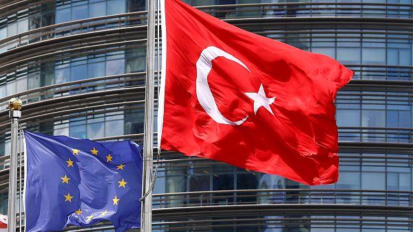 ЕС закрывает дверь для Турции. План по миграции. Саммит с Японией