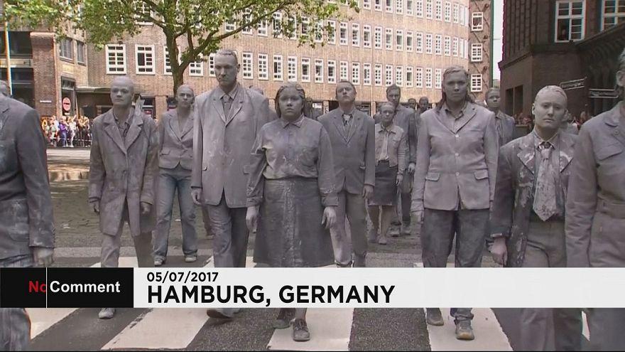 Люди как зомби: «арт-протест» против саммита G20