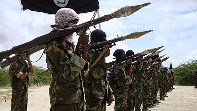 Kenyan security officers battle al-Shabaab militants