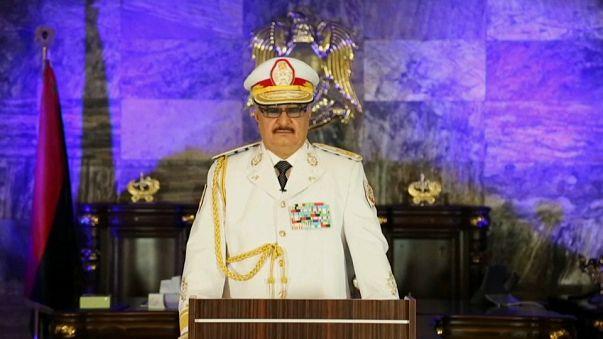 El mariscal Hafter anuncia la liberación de Bengasi