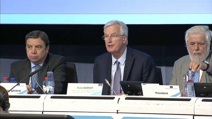 EU's Barnier steps up Brexit trade warning to UK
