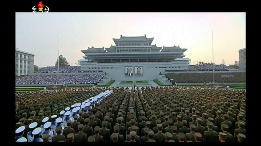 Trump Kuzey Kore'ye yüklendi
