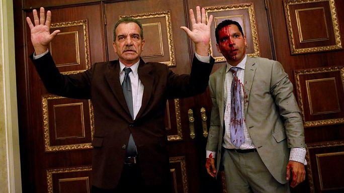 [KÉPGALÉRIA] Véres csata a venezuelai parlamentben
