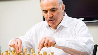 Каспаров возвращается в шахматы