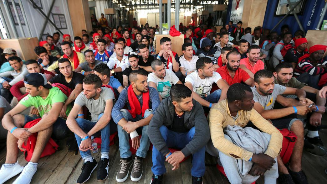 UE: plan de acción para aliviar la presión migratoria en Italia