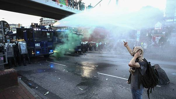 Tüntetés és oszlatás Hamburgban