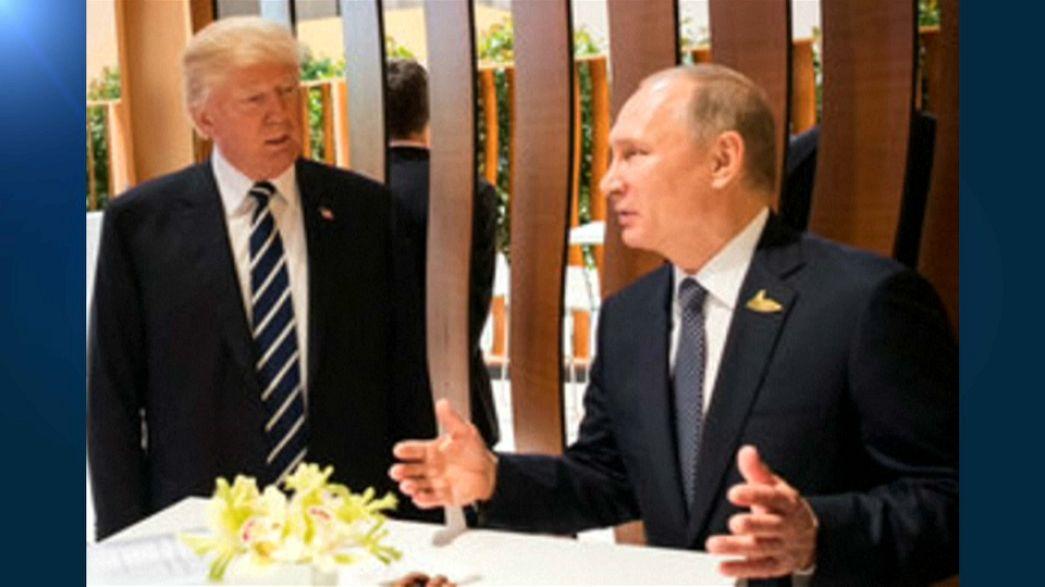 Trump ile Putin ilk kez yüz yüze görüştü