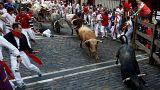 Los Cebada Gago dejan tres heridos por asta de toro en el primer encierro de San Fermín