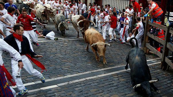 Spagna, Pamplona: al via la folle festa di San Firmino, già tre feriti