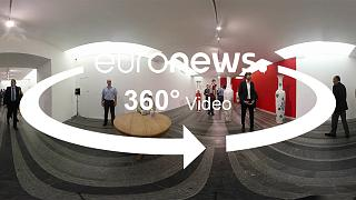 """Vidéo 360: visite de l'exposition """"Fragile State"""" à Kiev"""