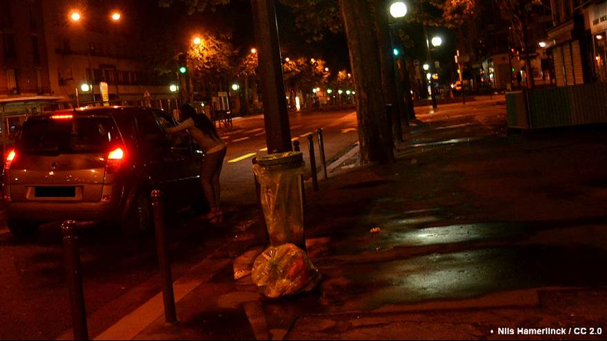 الدعارة تطرق أبواب ضواحي المدن الفرنسية