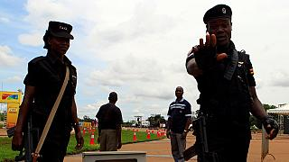 Ouganda : trois militants arrêtés pour un faux enterrement de Museveni