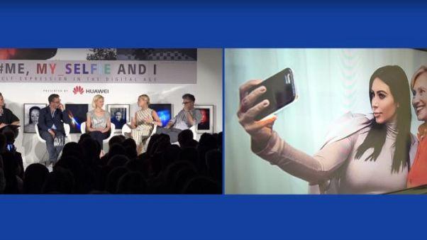 "Saatchi Gallery debate: the ""selfie effect"""