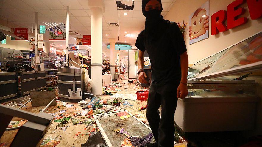 Segunda jornada de fuertes disturbios en Hamburgo con motivo del G20