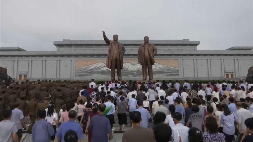 """بالفيديو:  احتفالات في كوريا الشمالية بمناسبة الذكرى ال23 على وفاة """"القائد العظيم"""""""