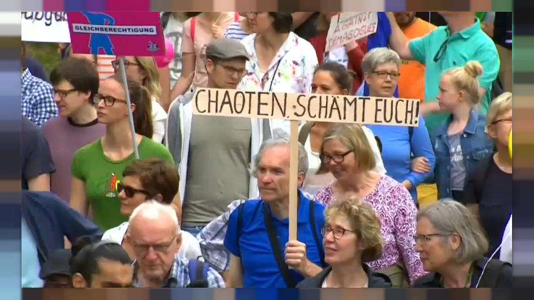 Thousands protest peacefully in Hamburg against G20