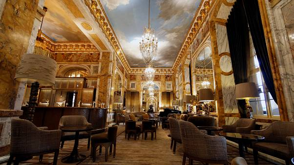فندق فاخر في باريس ب 32 ألف يورو لليلة والمالك أميرٌ عربي