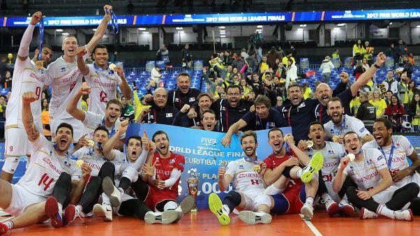 França bate Brasil e ganha Liga Mundial de voleibol