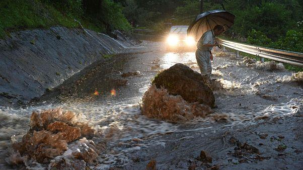 شمار قربانیان سیل شدید در ژاپن افزایش یافت