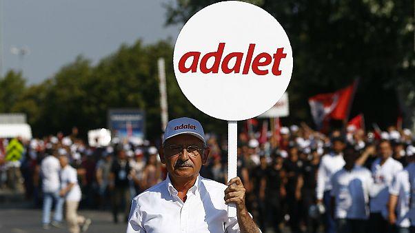راهپیمایی بزرگ مخالفان اردوغان به استانبول رسید
