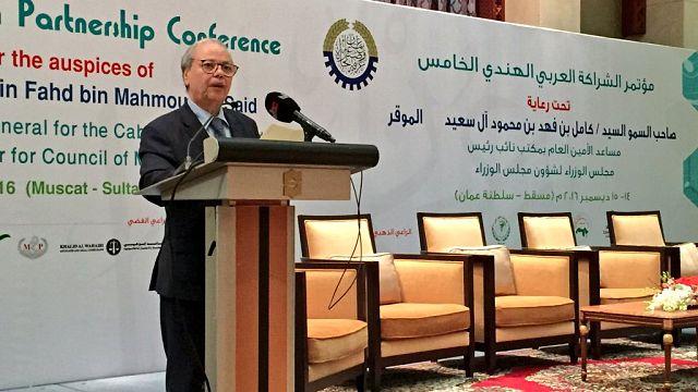 رحيل نائب أمين عام الجامعة العربية أحمد بن حلي