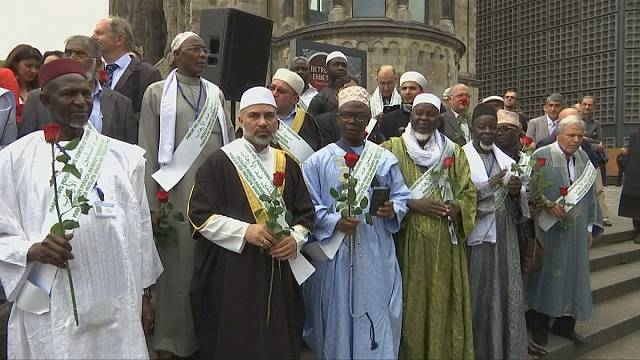 Muslim leaders continue 'anti-terror' bus tour
