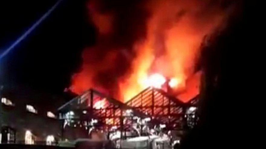 Tűz a híres londoni piacon