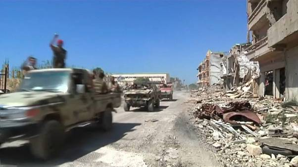 Confrontos entre grupos rivais nos arredores de Tripoli