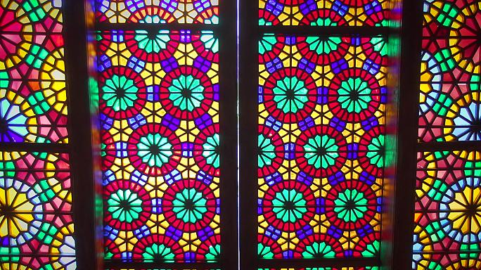 """Os vitrais """"shebeke"""" de Sheki"""