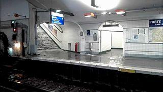 أمطار قياسية تعطل حركة مترو باريس