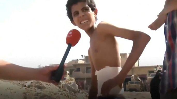 Musul'da 20 gündür bodrumda saklanan çocuk gün ışığını gördü