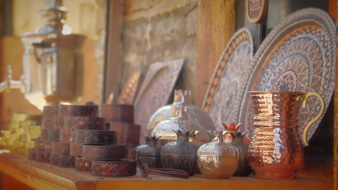 Tarihi bakır madeni ile yazılı Azerbaycan'ın Lahıc kasabası