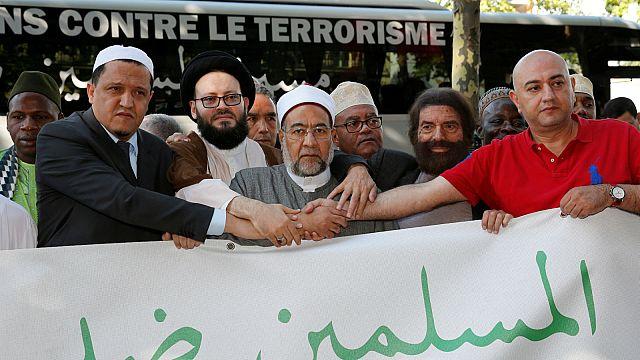 أئمة مسلمون ينددون بالإرهاب والعنف في العاصمة البلجيكية
