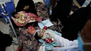 اليمن وصراع البقاء.. أكثر من 300 ألف حالة كوليرا وحرب ضروس