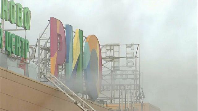 Pelo menos 14 feridos em incêndio em centro comercial a norte de Moscovo