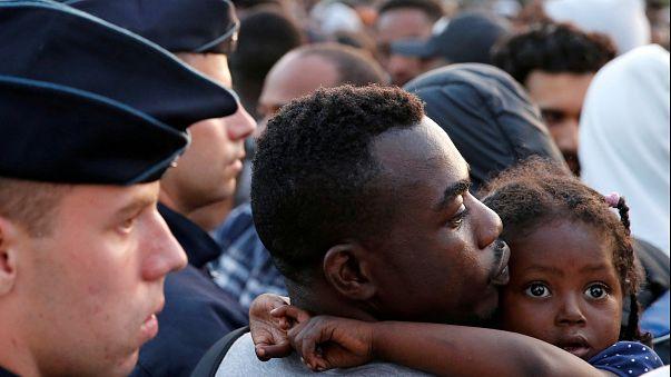Woher und wohin? Weltweit wollen 23 Mio Menschen auswandern